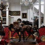 Zorrilla Antigüedades: la pasión por la  historia del rematador Sebastián Zorrilla